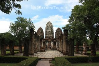 Sukhothai in bici, pick-up e sorng-taa-ou